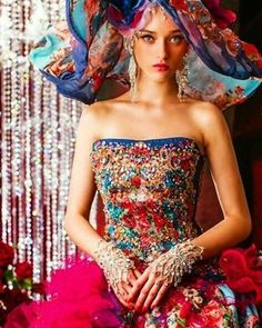 Stella De Libero Bridal  #bridal #wedding #japan #gown #dress #weddingdress #hautecouture #embroidery #couturefashion  #gorgeous #weddings #bride #london #beautiful #photooftheday #colorful #instafashion #instalike #lotd #couture #ootd #slay #floral #style #fashion #look #fashionista #stelladelibero #love #glam @creme.moda