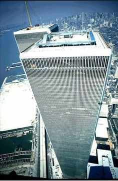 World Trade Towers, World Trade Center Site, Trade Centre, Foto Gif, City Hunter, Unique Architecture, Vintage New York, Lower Manhattan, Famous Places