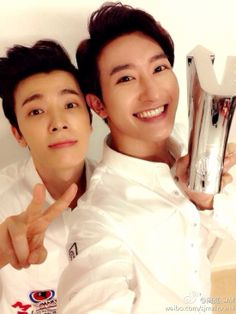 Zhou Mi's Weibo with Donghae 140415 - Super Junior
