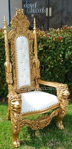 Hera's throne: Carved Mahogany King Lion Gothic Throne Chair Gold & White