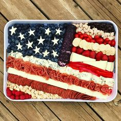 This American Flag Cheese Tray is such a cute and clever way to serve snacks on the of July, Memorial Day and Labor Day! I put together this American Flag Cheese Tray as a Independance Day, Thing 1, Throw A Party, Milk Recipes, 2 Ingredients, Party Snacks, Party Trays, Charcuterie, No Bake Cake