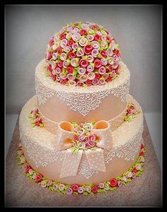 Pretty cake with lace and roses