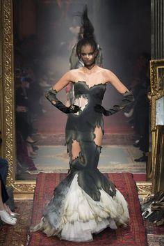 nice Moschino Fall 2016 Ready-to-Wear Fashion Show - Vogue Style Couture, Couture Mode, Couture Fashion, Runway Fashion, Milan Fashion, Moschino, Jeremy Scott, Fashion Week, Fashion Show