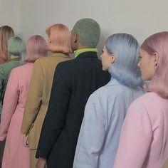いいね!2,577件、コメント42件 ― Alaina Manibogさん(@alainamanibog)のInstagramアカウント: 「My moody bbs   MOODY GIRLS color masks by me , hair flips by @dylanchavles  #MOODYGIRLS…」