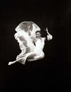 Esther Williams 1950's - Under water no less!