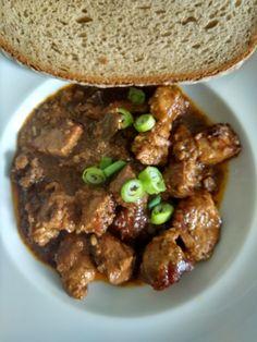 Myslíme si, že by sa vám mohli páčiť tieto piny - Beef, Cooking, Food, Red Peppers, Meat, Kitchen, Essen, Meals, Yemek