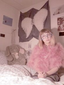 Rookie Tavi Gevinson in pink glasses fabulousness Fitness Workouts, Zebras, Tavi Gevinson, Petra Collins, Space Grunge, Ny Fashion Week, Elle Fanning, Pastel Goth, My Style