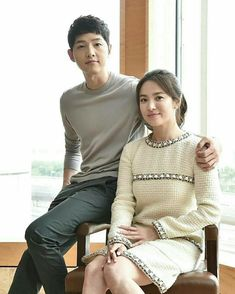 Song Hye Kyo, Song Joong Ki, Turtle Neck, Pullover, Drama, Blouse, Long Sleeve, Sleeves, Sweaters