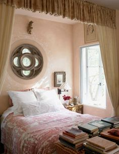 The Power of Pink: Room Photos, Decorating Ideas, and Fabulous Finds - Decoration - Home Design - Photographs Beautiful Bedrooms, Beautiful Homes, House Beautiful, Romantic Bedrooms, Home Bedroom, Bedroom Decor, Dream Bedroom, Master Bedroom, Bedroom Nook