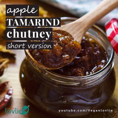 Apple Tamarind Chutney to add a little zing to your summer appetisers or enjoy alongside your favourite curry. We love it with veggie rice paper wraps for lunch or samosas for tasty snack. Samosa Recipe, Apple Chutney, Tamarind Chutney, Tamarind Sauce, Yummy Snacks, Snack Recipes, Cooking Recipes, Indian Food Recipes, Recipes