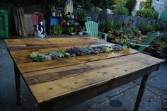 DIY pallet table... to match the pallette headboard. :-)