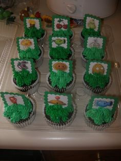 Plants (vs. Zombies) cupcake toppers
