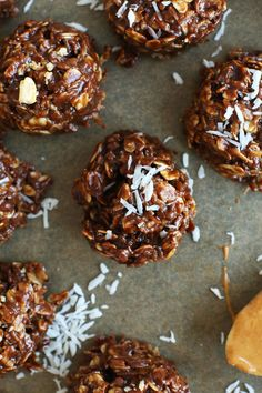 AMAZING No Bake Cookie Recipe with Shredded Coconut! Naturally sweetened and SO delicious #vegan #glutenfree #cookies