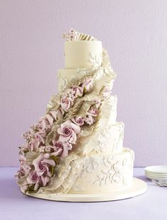 25 Prettiest Cakes | https://www.theknot.com/content/amazing-wedding-cakes