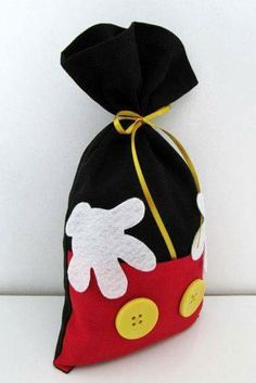 Mickey Mouse Baggie More Mais Dulceros Mickey Mouse, Mickey E Minie, Mickey Mouse Clubhouse Birthday, Mickey Mouse Parties, Mickey Party, Mickey Mouse Birthday, Mickey Mouse Christmas, Baby Mickey, Disney Diy