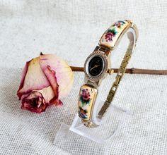 Women's Watches Vintage Chaika , Small Ladies Watch, Russian vintage ladies watch Chaika, Enamel Porcelain Bracelet