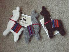 Needle-Felted Llama Ornament- for llama lover, Christmas ornament, llama and alpaca favorite gift for any occasion Diy Christmas Ornaments, Felt Ornaments, Handmade Christmas, Alpacas, Llamas Animal, Shibori, Peru, Llama Christmas, World Thinking Day