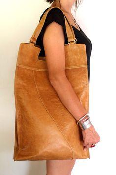 Mi Vida - Can be worn large or folded over to be a smaller hip bag Leather ColourVintage BrownDark TanLight TanCamelDark BrownBlackCreamDeep RedOlive Gr. Purses And Handbags, Leather Handbags, Leather Bags, Leather Purses, Cheap Handbags, Luxury Handbags, Leather Totes, Leather Backpacks, Prada Purses