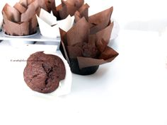 Muffins ciocco-banana (senza burro) (Arabafelice in cucina! Chocolate Banana Muffins, Biscuit Cake, Andiamo, Nigella Lawson, Baby Food Recipes, Donuts, Favorite Recipes, Sweets, Dishes