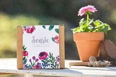 Kit semillas Boho Chic - Un original kit de siembra que contiene todos los elementos para sembrar y se entrega en un precioso packaging con diseño en acuarela. Un detalle ecológico que conquistará a tus invitados. #kitdesemillas #ecologico #regaloseco #detallesboda #semillas #boda #detalles #invitados #detalleseco #bodarustica #bodacampestre #dalia #flores #semillasboda #sueña #ecology #wedding #favor #guests #weddingfavor #gift #ecofriendly #seeds #rusticwedding #naturalgifts #weddingfavors
