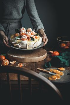 'Clementine Curd Pavlova' via; Kayley McCabe * made the most beautiful cake topped with peeled clementines and… Dessert Ig Bas, Just Desserts, Dessert Recipes, Holiday Desserts, Cake Toppings, Food Inspiration, Food Porn, Food And Drink, Cooking Recipes