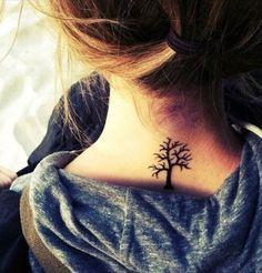 Tatto de arvore sem folhas