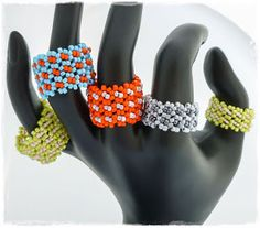 The Heart Beading: Daisy Ring - Small project for beginners. #Seed #Bead #Tutorials
