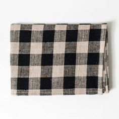 A slightly thicker linen with a bit more heft, thislong-lasting kitchen towel will only get softer and more absorbent with each wash. A nifty cotton loop allow