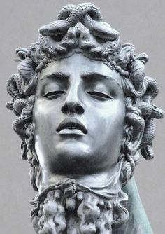 renaissance sculpture Perseus With the Head of Medusa detail :** Head of Medusa ** By Italian Renaissance sculptor Benvenuto Cellini Medusa Kunst, Medusa Art, Medusa Head, Statue Tattoo, Roman Sculpture, Bronze Sculpture, Perseus And Medusa, Sculpture Romaine, Renaissance Kunst