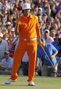 Rickie Fowler wearing orange every Sunday for his Alma Mater! Rickie Fowler wearing orange every Sunday for his Alma Mater! Rory Mclroy, Pga Tournament, Famous Golfers, Rickie Fowler, Best Dressed Man, Sports Photos, Golf Outfit, Golf Tips, Sports News