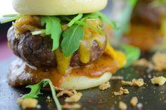 Τα 10+3 καλύτερα brunch της Αθήνας - www.olivemagazine.gr Hamburger, Brunch, Ethnic Recipes, Food, Essen, Burgers, Meals, Yemek, Eten