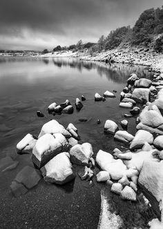 #Lago di #Campotosto e il #Gran #Sasso #parco #nazionale del Gran Sasso e #monti della #Laga #paesaggio #landscape @cg cuba #acqua #water #mountain #inverno #winter #neve #snow