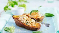 Ovnsbakt søtpotet med salvie og ricotta Ricotta, Baked Potato, Potatoes, Baking, Ethnic Recipes, Food, Potato, Bakken, Essen