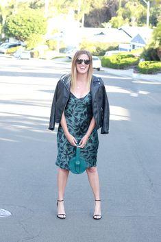 The Perfect Printed Silk Midi Dress Midi Dress Outfit, Dress Bar, Silk Midi Dress, New Dress, Bar Outfits, Night Club Outfits, Vegas Outfits, 21st Birthday Outfits, Birthday Outfit For Women