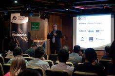 Antonio Lapa, Diretor da EPYX Soluções Editoriais, apresenta parceiros tecnológicos da WoodWing durante a abertura da Next Wave Tour 2012 - São Paulo. Foto: Patrícia Bruni.
