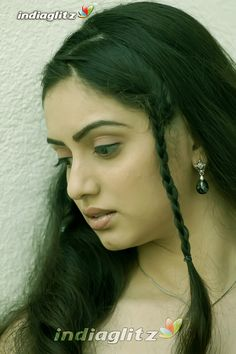 Most Beautiful Indian Actress, Beautiful Actresses, Most Beautiful Women, Model Poses Photography, Face Photography, Beauty Full Girl, Beauty Women, Indian Eyes, Indian Actress Photos