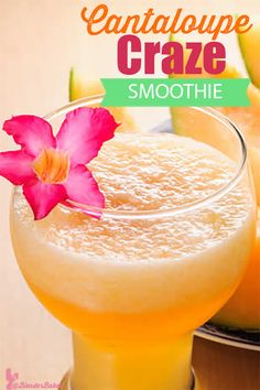 This cantaloupe smoothie is delicious, refreshing and great for helping you feel full as it's packed with fiber and water. It's also low in calories. Smoothie Recipes For Kids, How To Make Smoothies, Good Smoothies, Fruit Smoothies, Cantaloupe Smoothie, Orange Smoothie, Flaxseed Smoothie, Clean Eating Snacks, Fiber