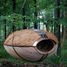 """A Separate Place"", a 4.5 m2 capsule suspended from trees in Dorset, UK; designed by Jesse Randzio"
