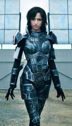 Femshep Cosplay Mass Effect