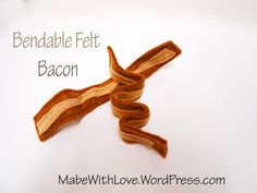 Sewing Tutorial: Bendable Felt Bacon Welcome! This is the first sewing tutorial in a series of four where we will make a felt breakfast set. Play food is a great beginner's sewing project and can be altered to make food as si… Felt Food Patterns, Sewing Patterns Free, Free Sewing, Felt Diy, Felt Crafts, Kid Crafts, Sewing Hacks, Sewing Tutorials, Sewing Tips