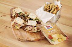 Club sandwich με απακι-καραμελωμενο κρεμμυδι Gyro Pita, Street Food, Camembert Cheese, Sandwiches, Food Porn, Tacos, Dairy, Pizza, Tortillas