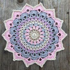 My Magnolia mandala Pattern in my blog Yarn: järbo 8/4 from @jarbogarn Hook: 2,5