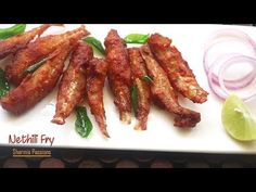 Nethili varuval recipe a quick fish fry using anchovies.This nethili fry serves as a great crispy starter or as a sidedish for rice. For more detailed descri. Recipe Videos, Food Videos, Quick Fish, Fried Fish, Side Dishes, Fries, Bacon, Breakfast, Youtube