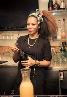 curvesincolor:  The Beautiful Bartender.