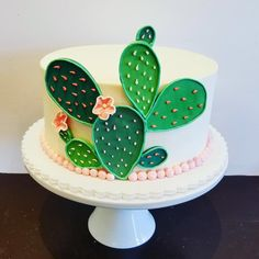 Is it too early for cactus cake? Fancy Cakes, Cute Cakes, Pretty Cakes, Mini Cakes, Beautiful Cakes, Amazing Cakes, Cupcake Cakes, Deco Cactus, Cactus Cake