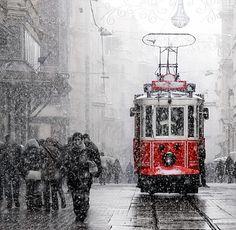 #photography #tram #istanbul #istiklal #red #redtram #snow #winter #street #turkobjektif #magnumphotos #streetphoto #art #cold #socold #followme #follow #instagood #instagram #insta