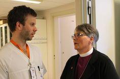 Biskop besøker sykehus