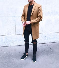 """Camel #paris #camel #camelcoat #coat #black #ootd #ootdmen #outfit #outfitoftheday #allblack…"""""""
