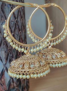 Indian Jewelry Earrings, Indian Jewelry Sets, Jewelry Design Earrings, Gold Earrings Designs, Indian Wedding Jewelry, Ear Jewelry, Bridal Jewelry, Indian Bridal, Antique Jewellery Designs