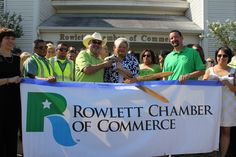WM celebrated our kick-off of new services to the Rowlett, Texas community with a ribbon cutting at Rowlett City Hall with City Manager of Rowlett, Linda Humble, WM PSS Manager, Steve Kellar, WM AVP Don Smith along with WM staff and Chamber ambassadors.